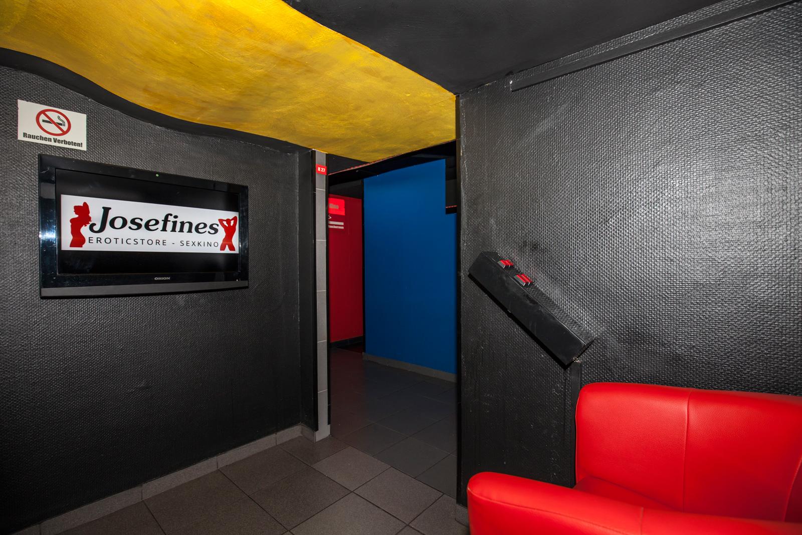 gay kino in frankfurt prostituierte küssen
